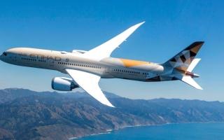 الصورة: «الاتحاد للطيران» تشغّل «بوينغ 787 دريملاينر» إلى ميلانو الإيطالية