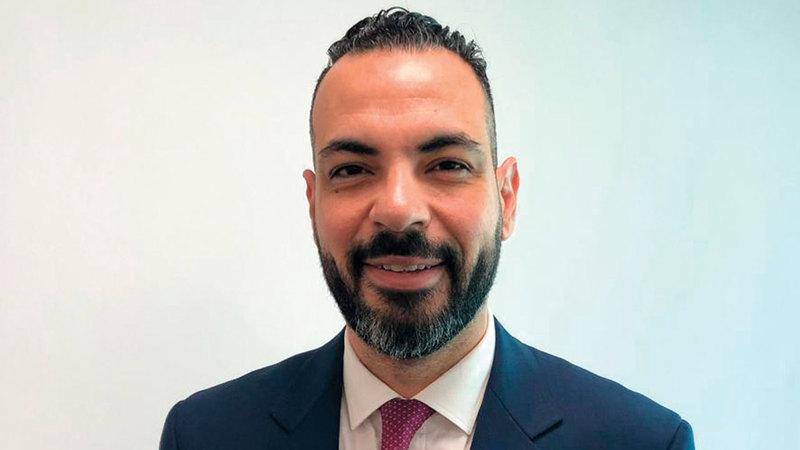 أحمد عرفات:  «التكنولوجيا بدأت  تؤثر على أعداد  الموظفين اللذين  يتعاملون مباشرة  مع العملاء».