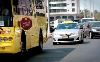 الصورة: شرطة أبوظبي: كاميرات ذكية في الحافلات المدرسية لرصد مخالفي «قف»