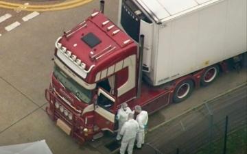 الصورة: صدمة في بريطانيا.. العثور على 39 جثة داخل شاحنة