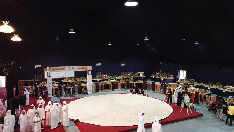 السرود حظي بتفاعل لافت خلال عرضه في مهرجان ليوا للرطب. الإمارات اليوم