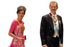 الصورة: ملكات العالم يتألقن بأناقتهن وتيجانهن في حفل تنصيب الإمبــراطور الياباني