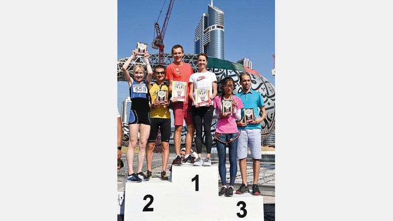 من تتويج الفائزين في سباق «سكاي رَن 2019». من المصدر