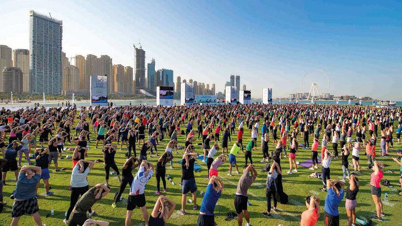 الفعالية اجتذبت مشاركات كبيرة في «سكاي دايف دبي». من المصدر