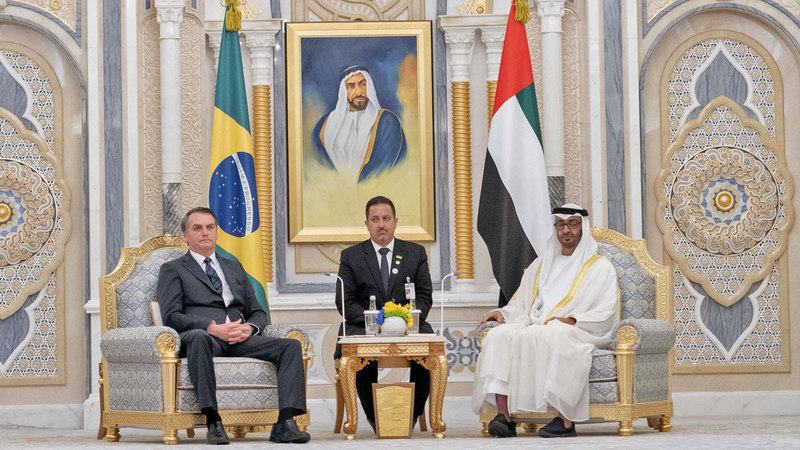 محمد بن زايد عقد جلسة مباحثات رسمية مع الرئيس البرازيلي في «قصر الوطن» بأبوظبي. وام
