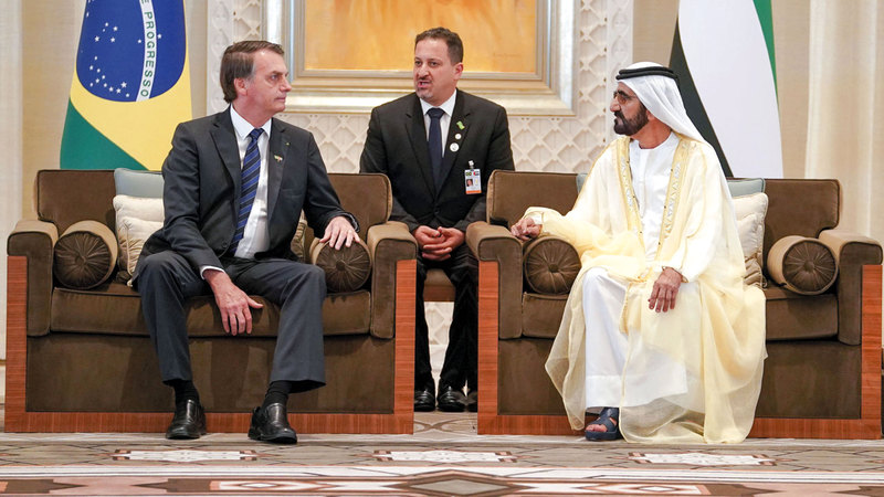 محمد بن راشد خلال استقباله الرئيس البرازيلي في «قصر الوطن» بالعاصمة أبوظبي.  وام