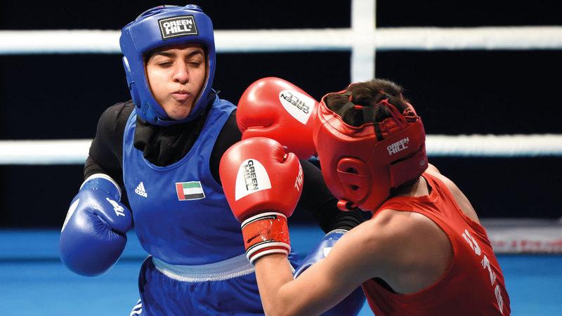 من بطولة الملاكمة الآسيوية للناشئين  في الفجيرة. تصوير: أسامة أبوغانم