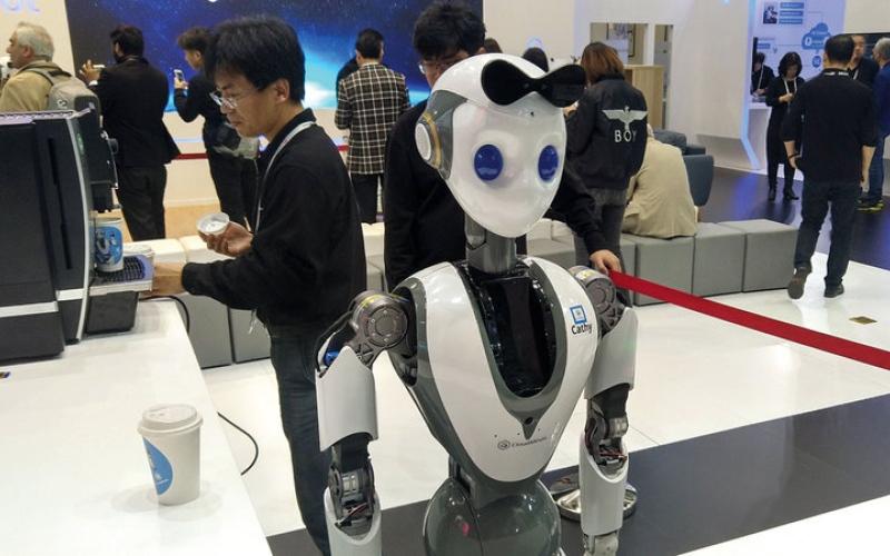 الصورة: «إكس آر ـ 1».. أول روبوت آلي يُدار بالكامل عن بُعد