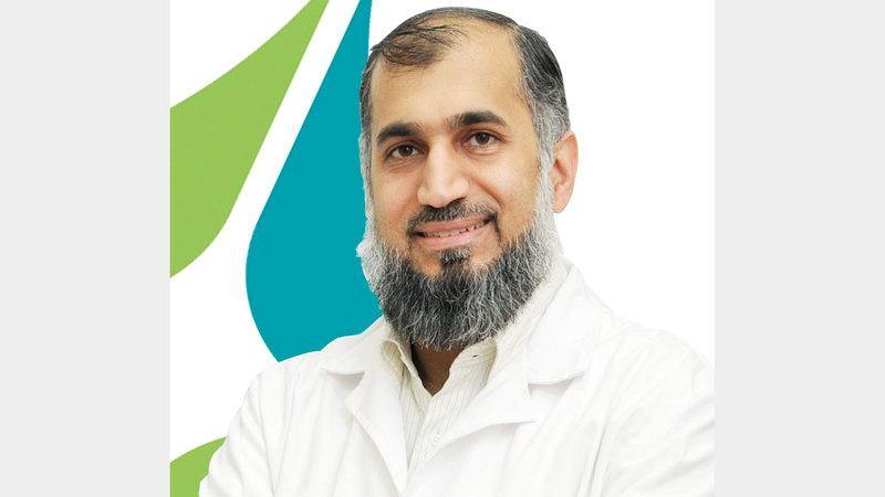 الدكتور سهيل الركن: «(الهيئة) أدخلت ضمن علاج مرض الرعاش مضخة صغيرة، تضخ الدواء تحت جلد المريض».
