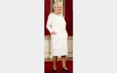 الصورة: ملكة بريطانيا تحقق أمنيتها السرية
