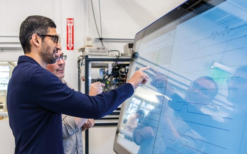 الصورة: «سينكامور» ينجز في 200 ثانية مهام تنفذها الحاسبات التقليدية في 10 آلاف سنة