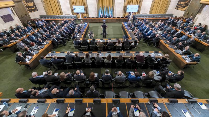روسيا ترعى مباحثات كتابة دستور جديد بين الحكومة والمعارضة السورية.  رويترز