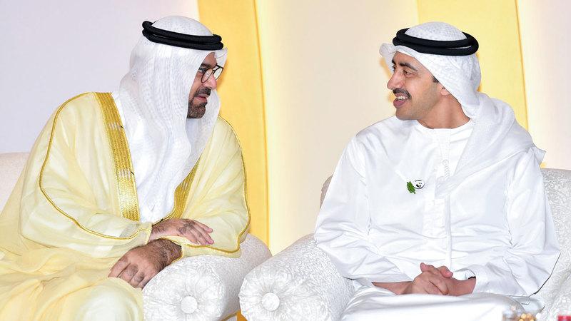 عبدالله بن زايد هنأ القرقاوي بزفاف نجله. من المصدر