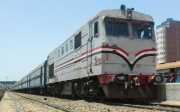 """الصورة: """"أشوفِك في الجنة"""".. الناجية من دهس القطار بمصر تنعى أمها"""