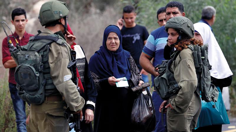 قوات الاحتلال تشنّ حملات تفتيش في الضفة الغربية. أرشيفية