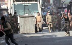الصورة: مقتل 4 محتجين بنيران  قوات الأمن في بغداد