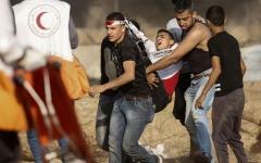 الصورة: بالصور.. إصابة 70 فلسطينيا برصاص الاحتلال شرق غزة