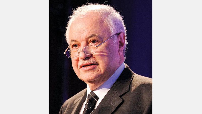 طلال أبوغزالة: «الإمارات من أوائل الدول في المجال التقني، وتوفر التعليم الرقمي محلياً».