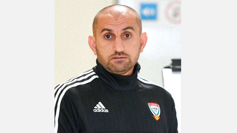 «حارس الشارقة عادل الحوسني، كان سبباً مباشراً في فوز فريقه على الجزيرة». زكريا أحمد