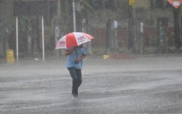 """الصورة: الإعصار """"بلبل"""" يودي بحياة 11 شخصاً"""