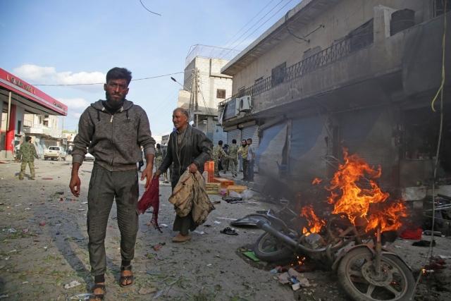 انفجار سيارة مفخخة بسورية ومقتل 8 أشخاص - الإمارات اليوم