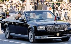 الصورة: موكب تتويج إمبراطور اليابان يجوب  شوارع طوكيو