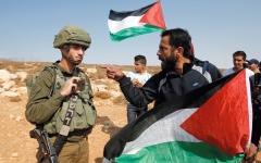 الصورة: إصابات فلسطينية وحالات اختناق في اعتداءات للاحتلال بالقدس