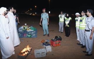 الصورة: شرطة رأس الخيمة توعّي الجمهور بسلوكيات إيجابية في المناطق البرية