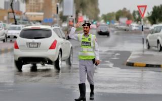 الصورة: شرطة رأس الخيمة: 2059 مكالمة و74 دورية خلال الأمطار