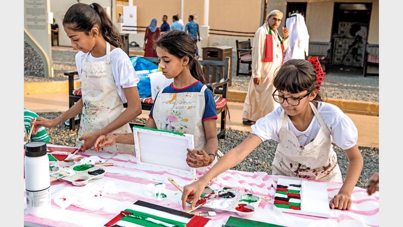 يتضمن الجدول سبع ورش فنية للأطفال ستقام على مدار ستة أشهر بمعدل ورشة عمل واحدة كل ثلاثة أسابيع. من المصدر