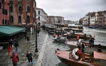 الصورة: بالصور.. الفيضانات تغرق 90% من فينيسيا الإيطالية