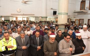 الصورة: بالفيديو.. صدمة في مصر بعد وفاة مسؤول أثناء عمله