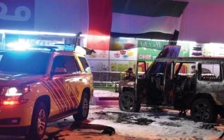 الصورة: وفاة طفلين شقيقين تركا داخل مركبة في أبوظبي