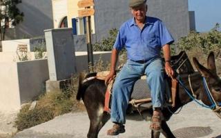 الصورة: إسبانيا تمنع ركوب الحمير لمن هم في هذا الوزن!