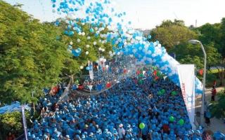 الصورة: 20 ألف مشارك في مسيرة «حارب السكري»