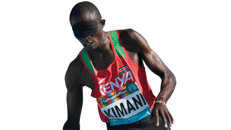 البطل البارالمبي  الكيني صومائيل كيماني.