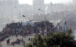 الصورة: المتظاهرون العراقيون يسيطرون على منطقة جديدة في بغداد