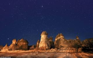 الصورة: بالصور: عجائب فلكية يمكن رصدها بالعين المجردة