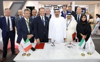 الصورة: «أبوظبي للطيران» توقّع عقداً لشراء 5 طائرات من «ليوناردو»