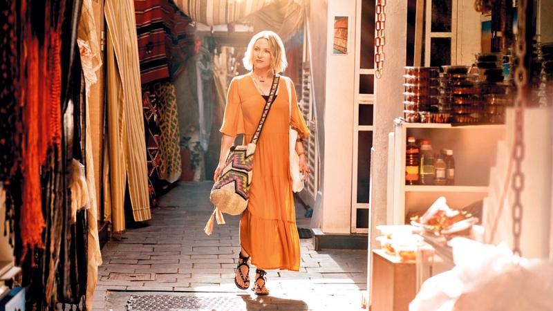 كيت هدسون الحائزة جائزة «إيمي». من المصدر