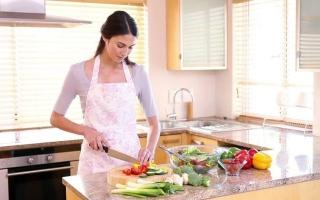 8 إجراءات لحماية الأسرة داخل المطبخ