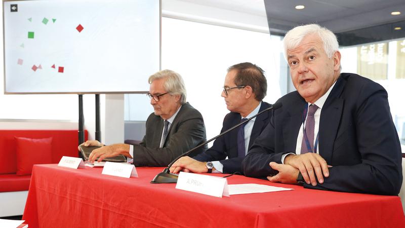 جيلسنتي (يسار) أكد خلال المؤتمر أن المعرض سيعزّز من وجود الشركات الإيطالية في الأسواق المحلية.