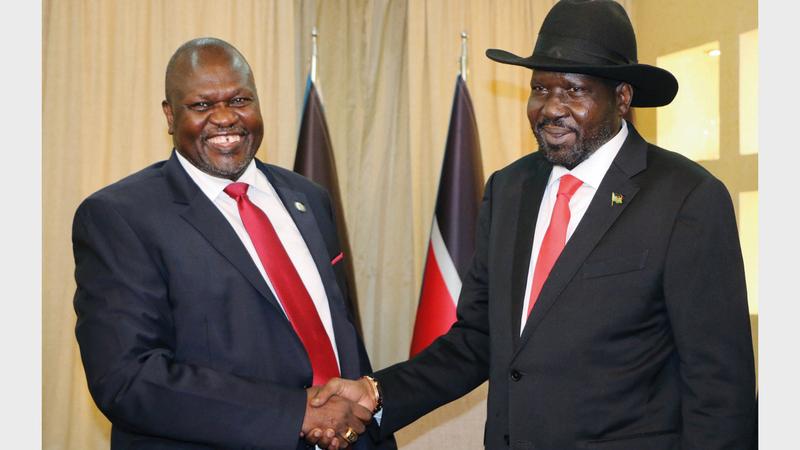 رئيس جنوب السودان سلفا كير ميارديت (يمين) مع نائبه ريك مشار.  أرشيفية