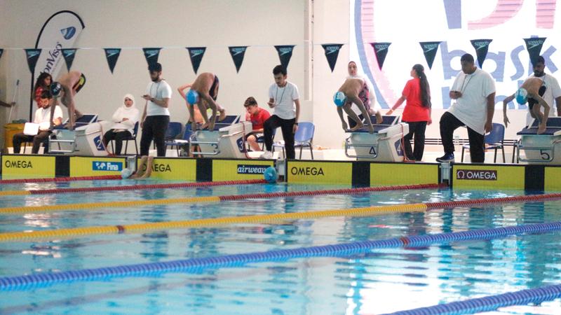 البطولة الواحدة في السباحة تحتاج إلى 30 حكماً. الإمارات اليوم