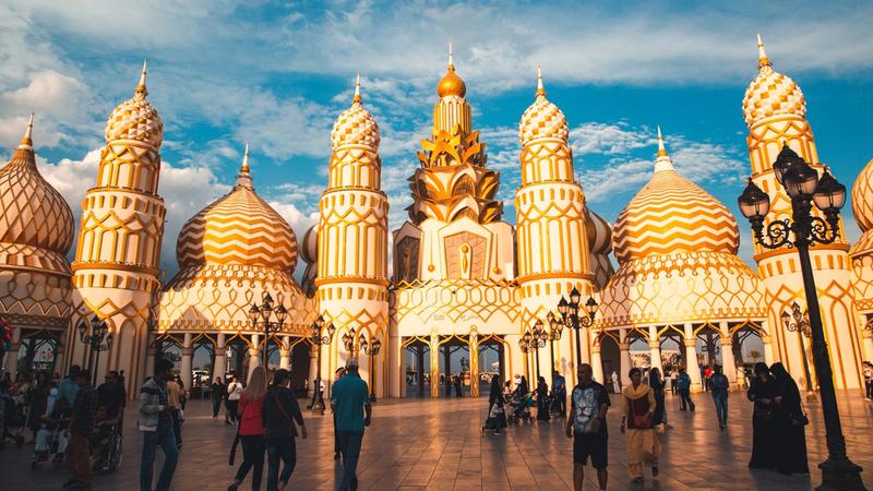 القرية العالمية من أكبر المتنزهات الثقافية في العالم. من المصدر