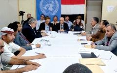 الصورة: اعتداء حوثي على مقر فريق الانتشار الحكومي في الحديدة