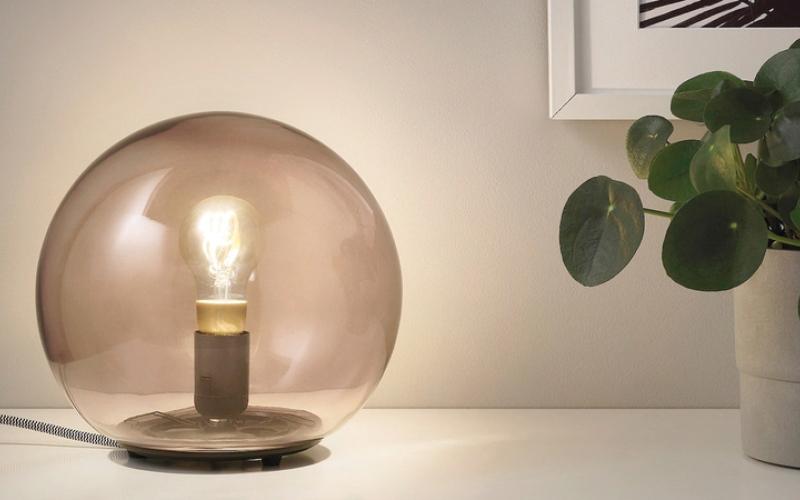 الصورة: «إيكيا» تطلق مصباحاً متوهجاً للمنازل الذكية