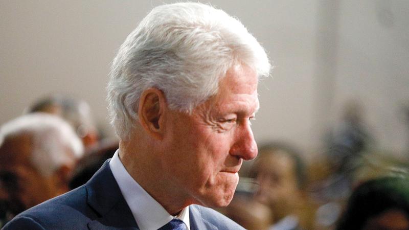 كلينتون نجا من تدابير العزل  لضعف الأدلة ضده.