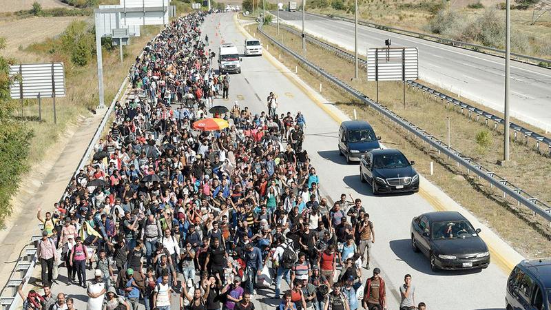 يحتاج الاتحاد الأوروبي إلى تجاوز الخطاب الشعبوي المتمثل في أن اللاجئين والمهاجرين «لصوص» و«مغتصبون». أرشيفية