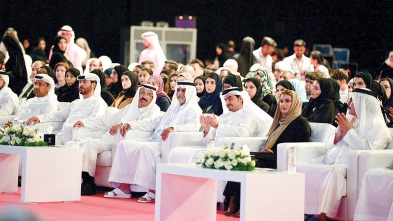 نهيان بن مبارك خلال إطلاقه مبادرة مشروع الـ1000. من المصدر